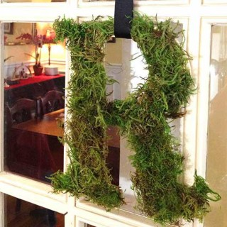 DIY Monogram Wreath. Quick, affordable easy craft project. Make in ten minutes. Makes a great gift for a bridal shower, housewarming or birthday.
