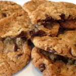 These Easy Oatmeal Chocolate Chip Cookies are fabulous. Butter, flour, sugar, oatmeal, chocolate chips...Mmmm. Perfect for picnics and lunch boxes.