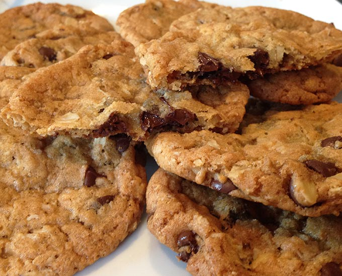 These Chocolate Chip Oatmeal Cookies are fabulous. Butter, flour, sugar, oatmeal, chocolate chips...Mmmm. Perfect for picnics and lunch boxes.
