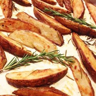 Rosemary Garlic Oven Baked Steak Fries