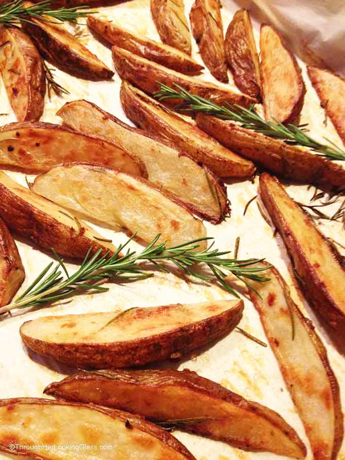 Rosemary Garlic Steak Fries. Crispy and flavorful. Tasty and easy ...