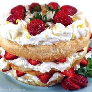 Fresh Strawberry and Lemon Angel Food Cake