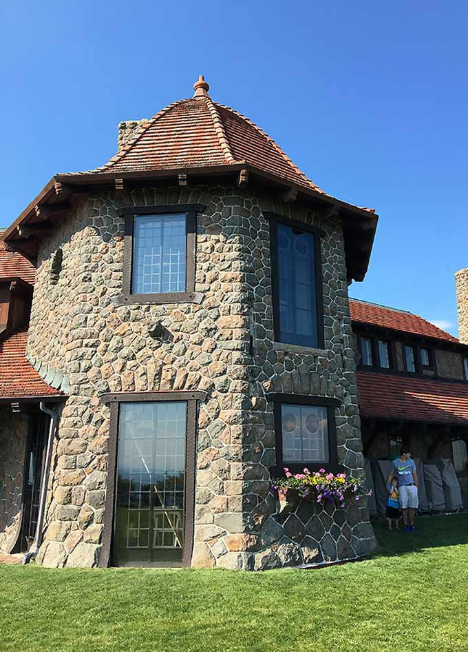 Castle in the Clouds: a country estate home to Lucknow, a lush home built in 1914 in the Ossippee Mountain Range overlooking Lake Winnipesaukee.