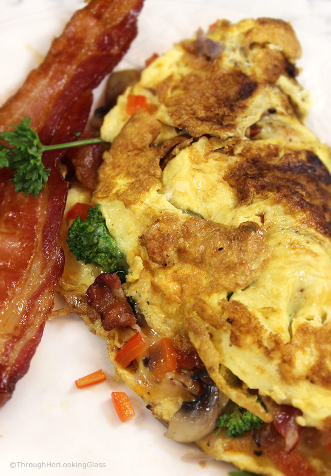 How To Make the Perfect Omelette!If you love ordering a classic omelette out but are intimidated by the process at home, this is for you! Omelettes are a super easy, protein-filled and nutritious meal for any time of day.
