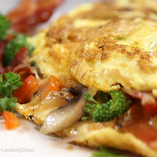 How To Make the Perfect Omelette! If you love ordering a classic omelette out but are intimidated by the process at home, this is for you! Omelettes are a super easy, protein-filled and nutritious meal for any time of day.
