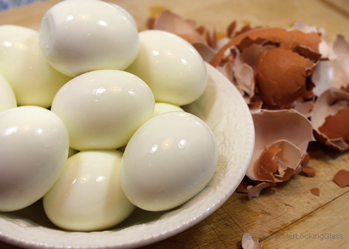 If you're wondering How to Hard boil Eggs Perfectly every time, you've come to the right place! The method is simple once you know the trick.